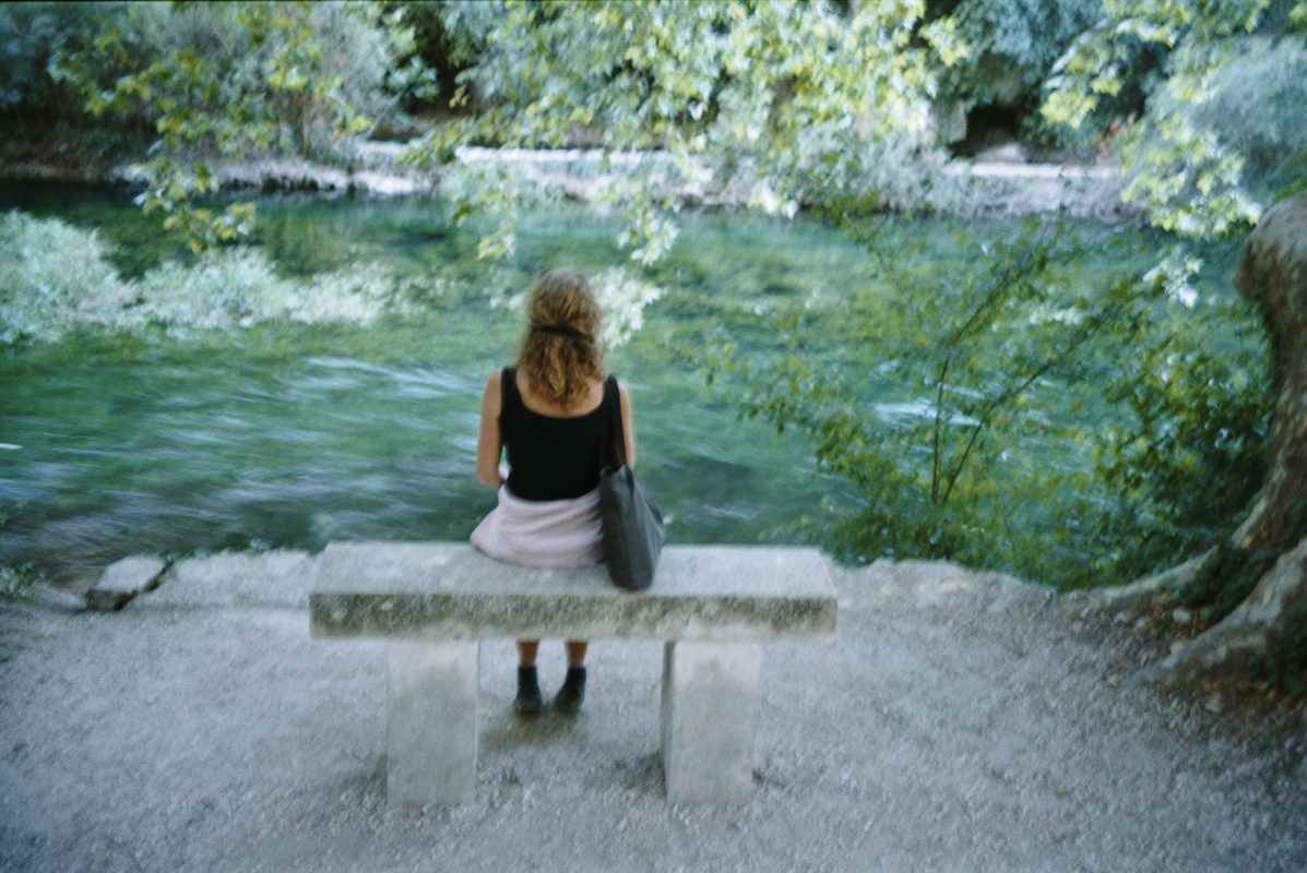 Foto Ienke Kastelein - Fontaine de Vaucluse – contemplating water time and being